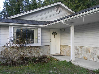 Main Photo: 5817 ANCHOR Road in Sechelt: Sechelt District House for sale (Sunshine Coast)  : MLS® # R2037661