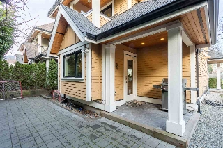 Main Photo: 875 RIDGEWAY Avenue in North Vancouver: Central Lonsdale Townhouse for sale : MLS® # R2039049