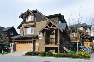"Main Photo: 37 24185 106B Avenue in Maple Ridge: Albion Townhouse for sale in ""TRAILS EDGE"" : MLS® # R2039701"
