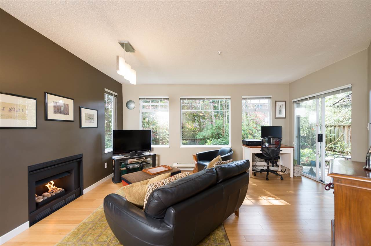 "Photo 6: 26 6516 CHAMBORD Place in Vancouver: Killarney VE Condo for sale in ""LA FRONTENAC"" (Vancouver East)  : MLS(r) # R2052921"