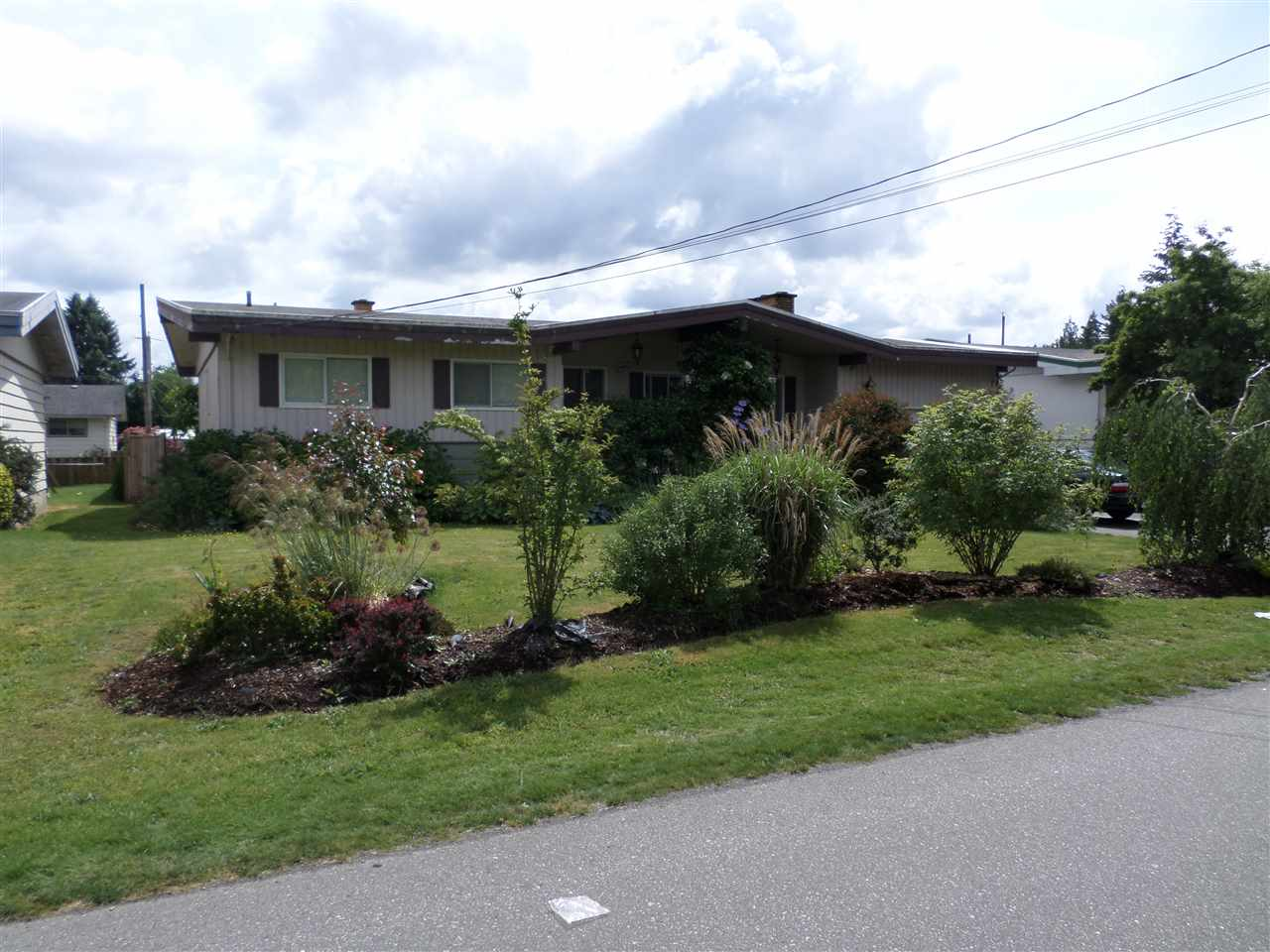 Photo 2: 31846 HOPEDALE Avenue in Abbotsford: Abbotsford West House for sale : MLS® # R2071353