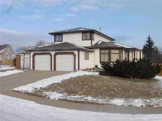 Main Photo: 18904 92 A Avenue in Edmonton: Zone 20 House for sale : MLS(r) # E4052875