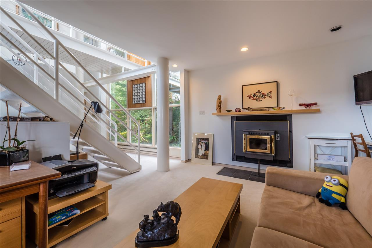 Photo 18: 90 ISLEVIEW Place: Lions Bay House for sale (West Vancouver)  : MLS(r) # R2151252