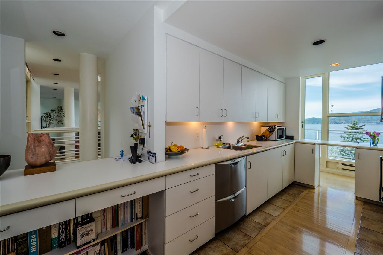 Photo 9: 90 ISLEVIEW Place: Lions Bay House for sale (West Vancouver)  : MLS(r) # R2151252