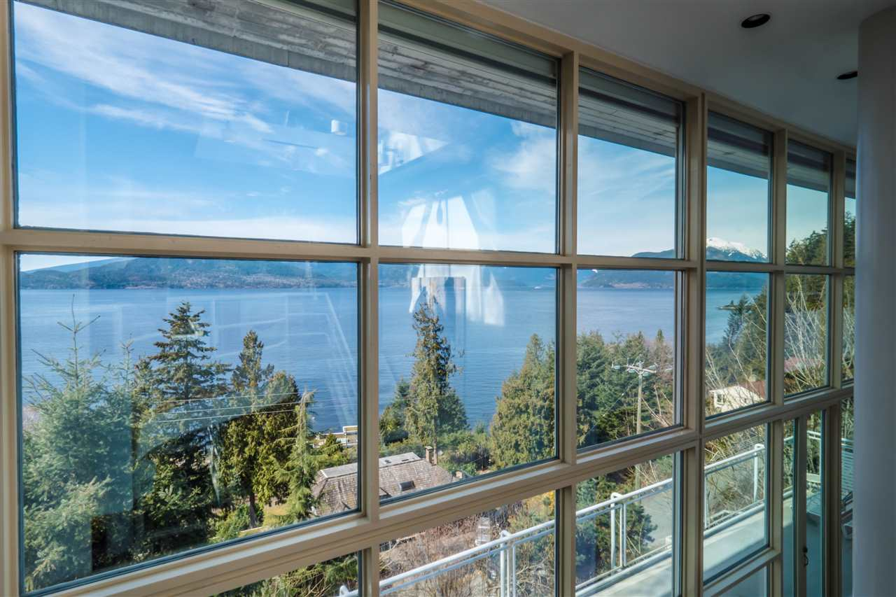 Photo 6: 90 ISLEVIEW Place: Lions Bay House for sale (West Vancouver)  : MLS(r) # R2151252