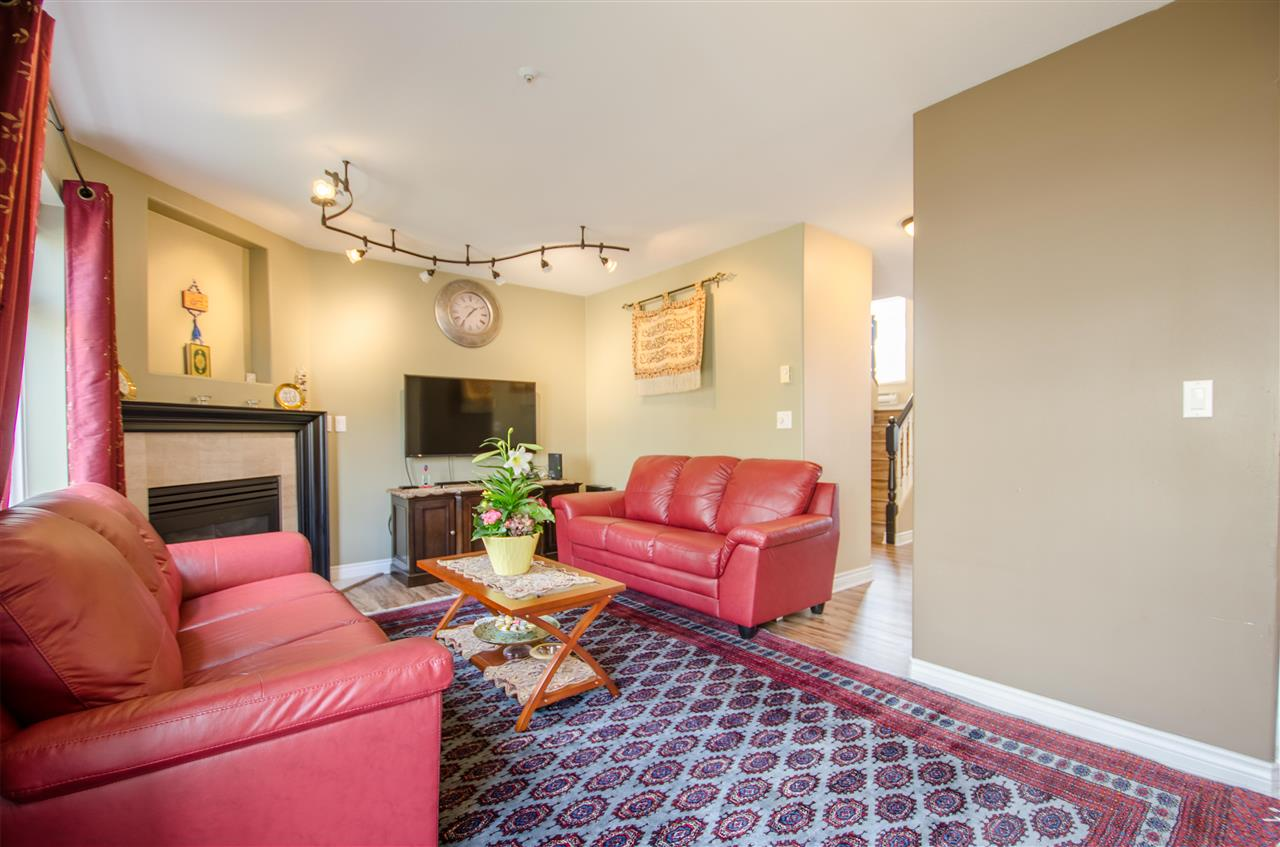 Photo 10: Photos: 17 2538 PITT RIVER Road in Port Coquitlam: Mary Hill Townhouse for sale : MLS®# R2151946