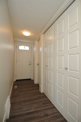 Side door & 2 piece washroom