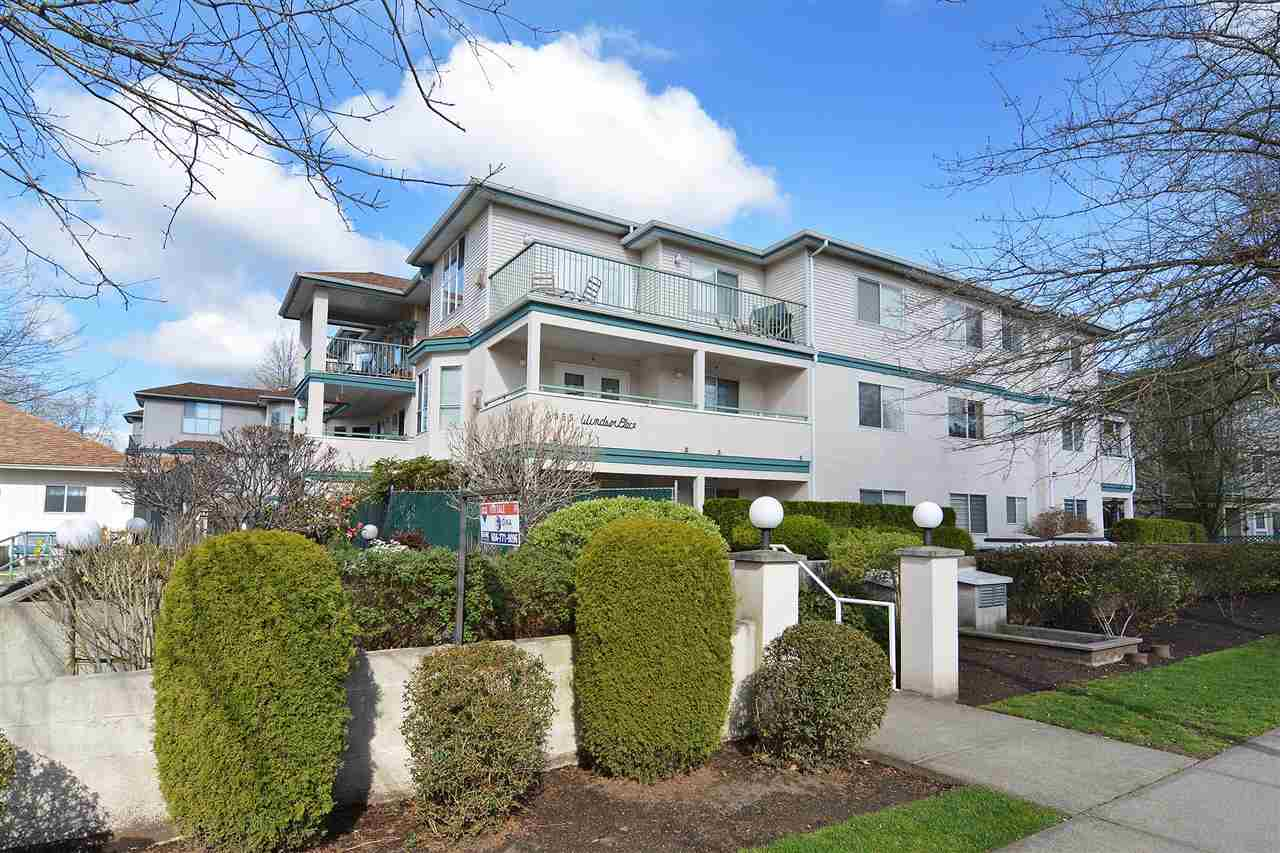 "Main Photo: 212 5955 177B Street in Surrey: Cloverdale BC Condo for sale in ""Windsor Place"" (Cloverdale)  : MLS(r) # R2159983"