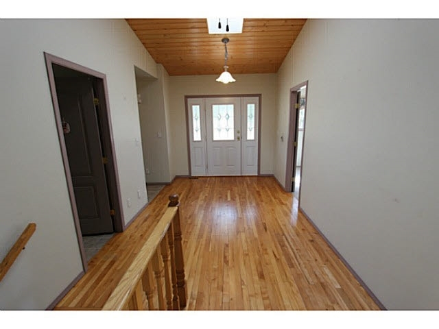 Photo 6: 3684 Forbes Road in Lac La Hache: Home for sale : MLS® # r2068220