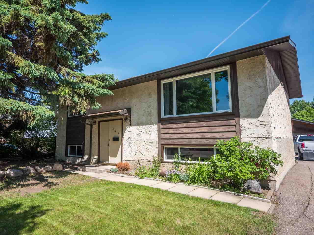 Main Photo: 105 MISSION Avenue: St. Albert House for sale : MLS(r) # E4067931