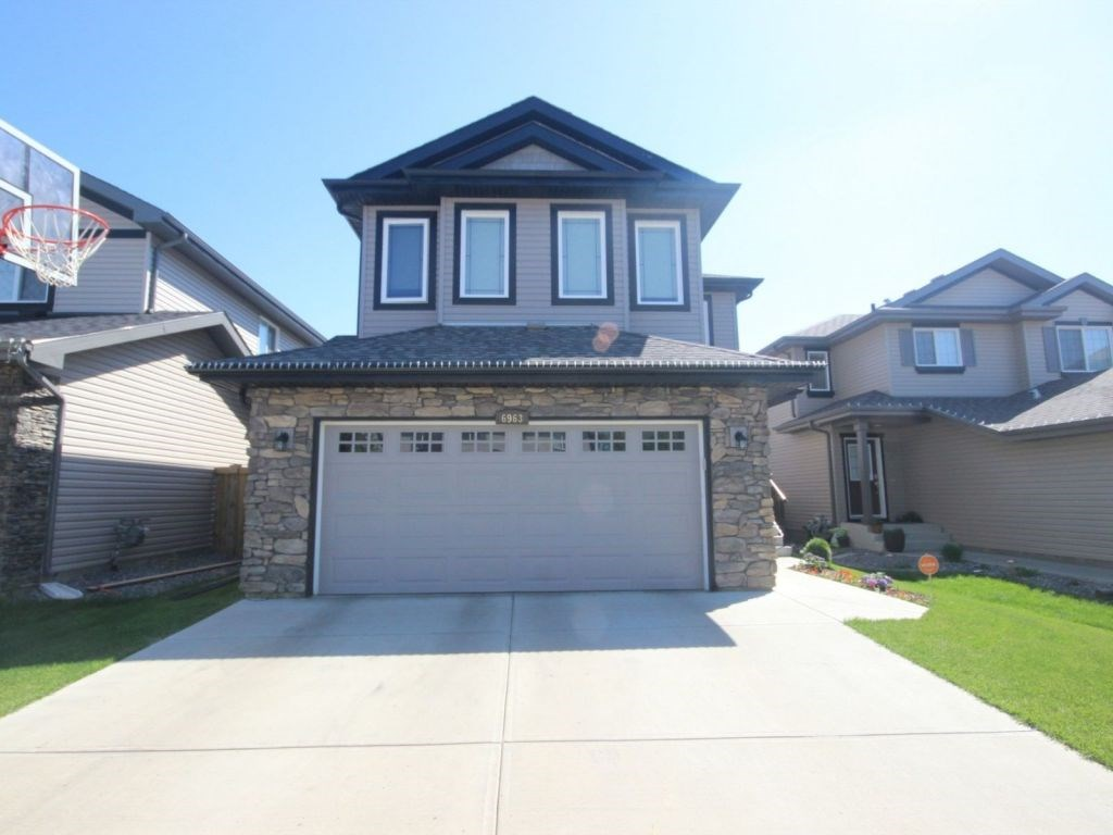 Photo 2: 6963 19A Avenue in Edmonton: Zone 53 House for sale : MLS(r) # E4068166
