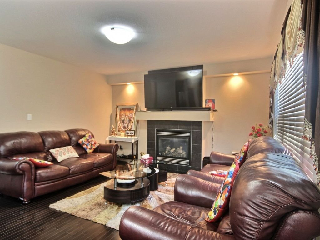 Photo 5: 6963 19A Avenue in Edmonton: Zone 53 House for sale : MLS(r) # E4068166