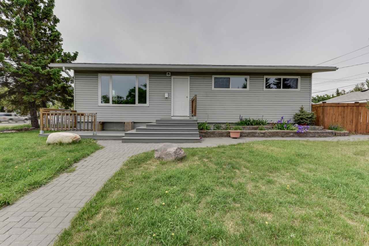 Main Photo: 8702 163 Street in Edmonton: Zone 22 House for sale : MLS® # E4068959