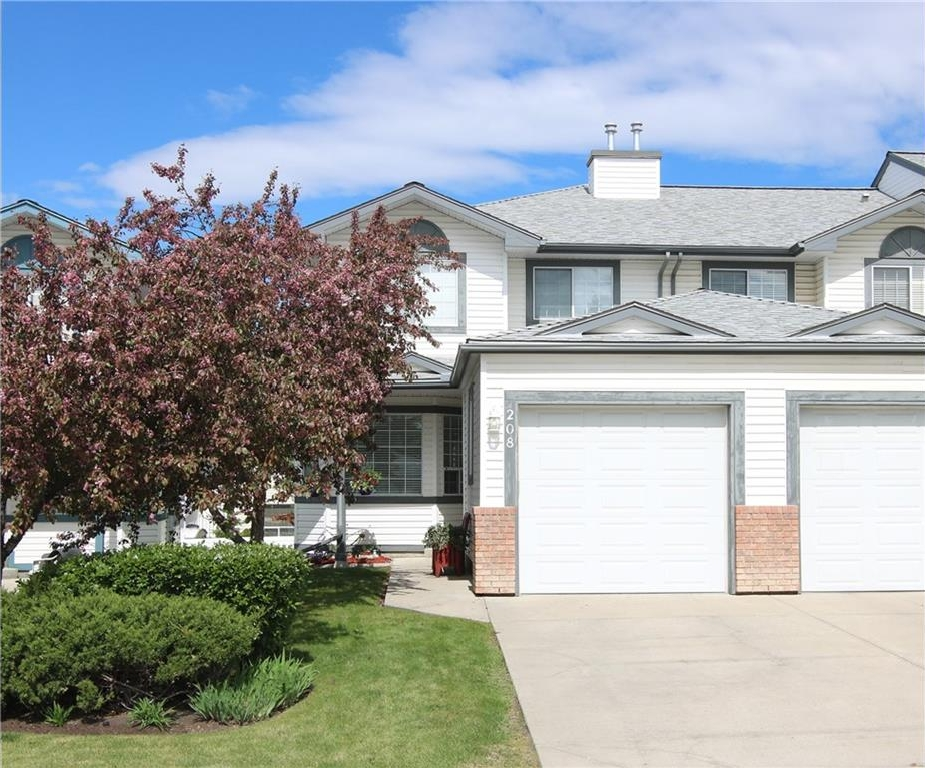 Main Photo: 208 CITADEL HT NW in Calgary: Citadel House for sale : MLS® # C4118219