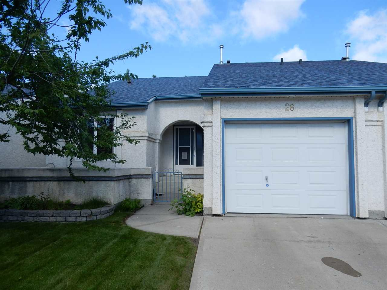 Main Photo: 26 9718 176 Street in Edmonton: Zone 20 House Half Duplex for sale : MLS(r) # E4071029