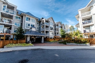 "Main Photo: 301 3136 ST JOHNS Street in Port Moody: Port Moody Centre Condo for sale in ""SONRISA"" : MLS® # R2205822"