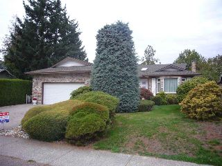 "Main Photo: 1937 SOUTHMERE Crescent in Surrey: Sunnyside Park Surrey House for sale in ""Southmere"" (South Surrey White Rock)  : MLS® # R2212474"