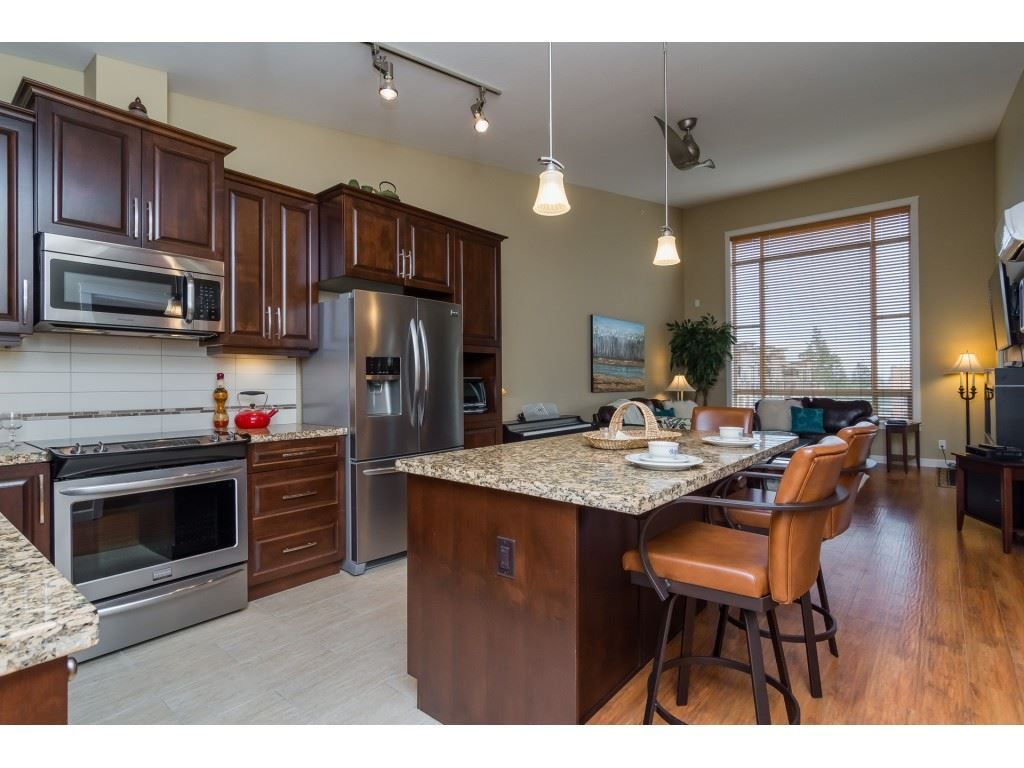 "Photo 3: Photos: 509 8258 207A Street in Langley: Willoughby Heights Condo for sale in ""YORKSON CREEK (BLG A)"" : MLS® # R2221052"