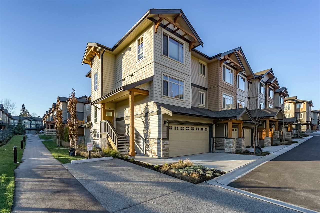 "Main Photo: 28 11305 240TH Street in Maple Ridge: Cottonwood MR Townhouse for sale in ""Maple Heights"" : MLS®# R2227128"
