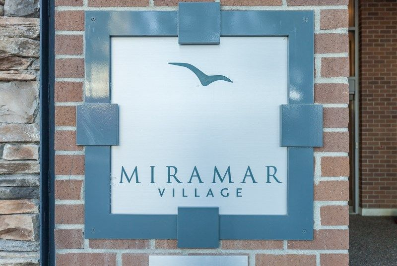 "Main Photo: 1105 1473 JOHNSTON Road: White Rock Condo for sale in ""Miramar Village-Tower B"" (South Surrey White Rock)  : MLS® # R2241122"