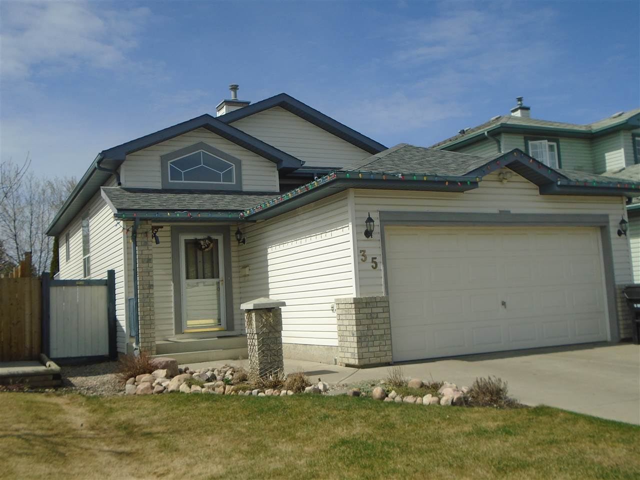 Main Photo: 35 Landsdowne Drive: Spruce Grove House for sale : MLS®# E4105545