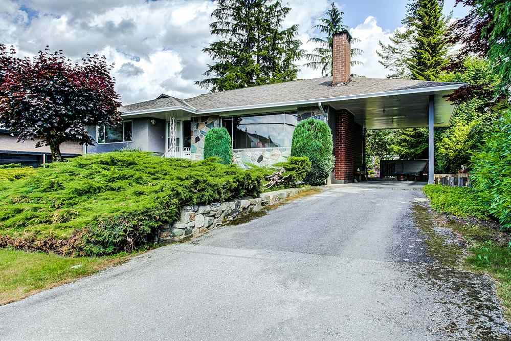 Main Photo: 719 SCHOOLHOUSE Street in Coquitlam: Central Coquitlam House for sale : MLS®# R2273511