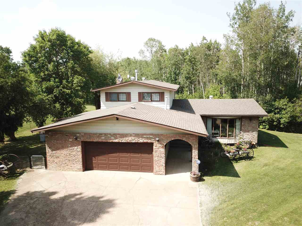 Main Photo: 21 53304 RGE RD 14 Road: Rural Parkland County House for sale : MLS®# E4113890