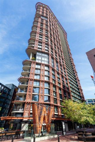"Main Photo: 2009 128 W CORDOVA Street in Vancouver: Downtown VW Condo for sale in ""WOODWARDS"" (Vancouver West)  : MLS®# R2319708"
