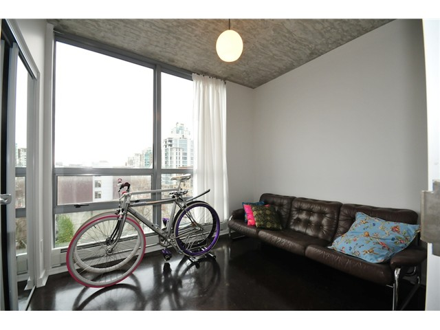 "Photo 5: 706 919 STATION Street in Vancouver: Mount Pleasant VE Condo for sale in ""LEFTBANK"" (Vancouver East)  : MLS(r) # V881860"