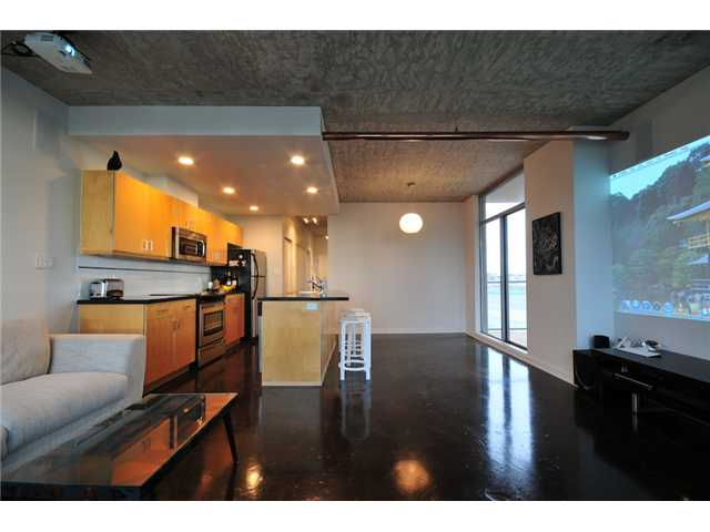 "Photo 2: 706 919 STATION Street in Vancouver: Mount Pleasant VE Condo for sale in ""LEFTBANK"" (Vancouver East)  : MLS(r) # V881860"