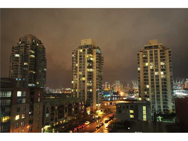 "Photo 8: 706 919 STATION Street in Vancouver: Mount Pleasant VE Condo for sale in ""LEFTBANK"" (Vancouver East)  : MLS(r) # V881860"