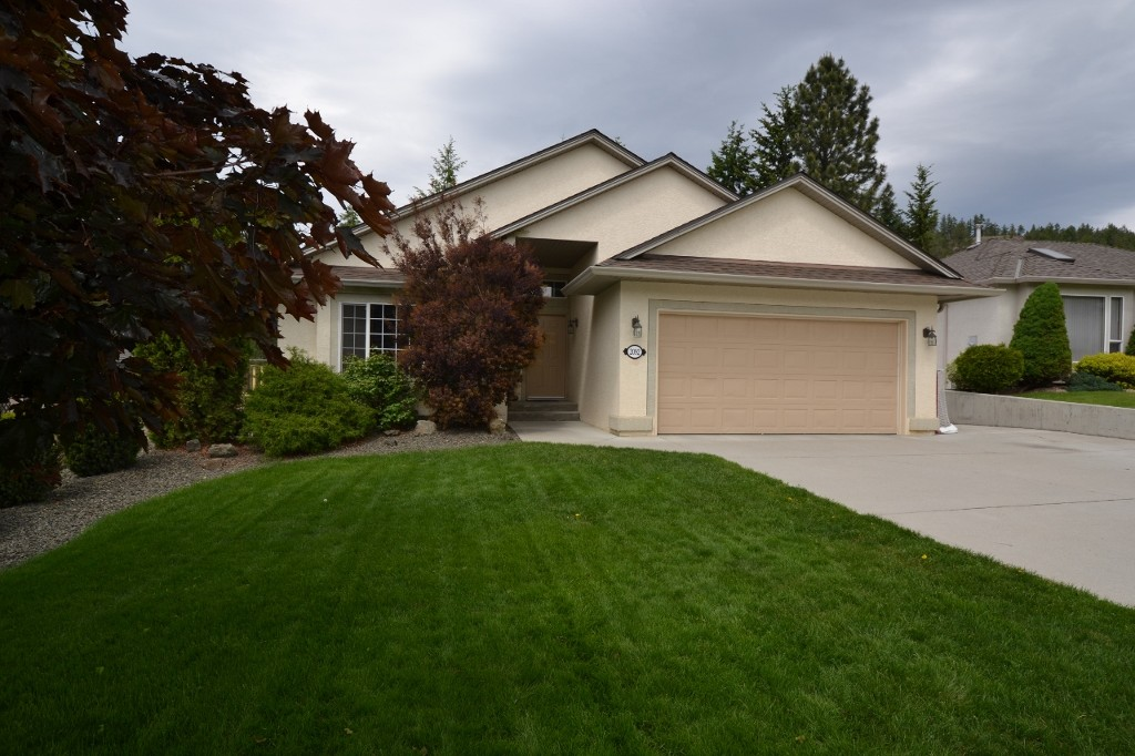 Main Photo: 2092 Sunview Drive in West Kelowna: West Kelowna Estates Residential Detached for sale (Central Okanagan)  : MLS® # 10065599