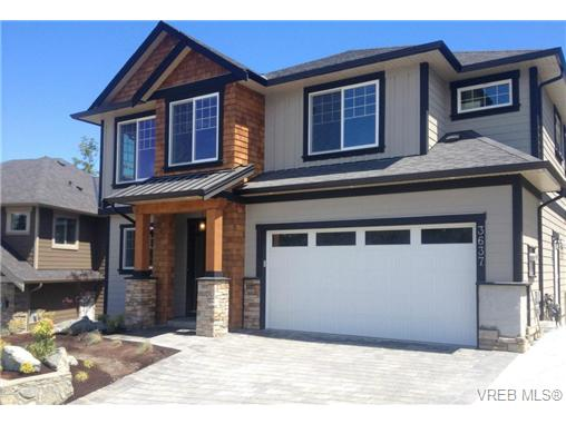 Main Photo: 3637 Coleman Place in VICTORIA: Co Latoria Residential for sale (Colwood)  : MLS(r) # 325291