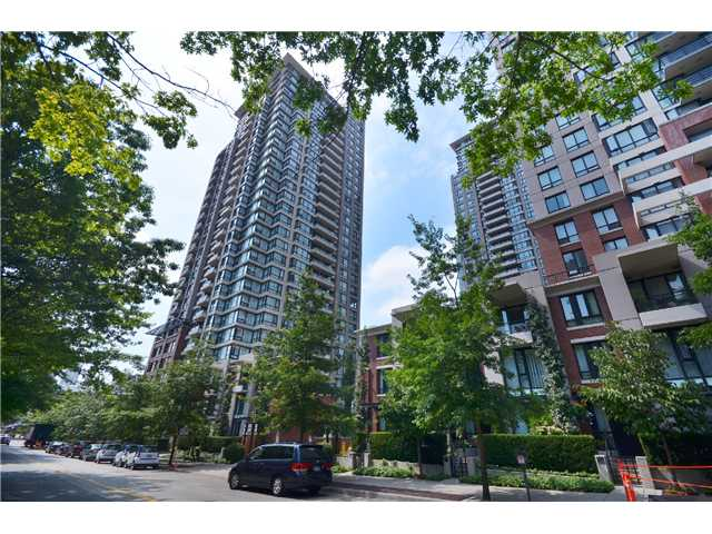 "Photo 1: # 2605 977 MAINLAND ST in Vancouver: Yaletown Condo for sale in ""YALETOWN PARK"" (Vancouver West)  : MLS(r) # V1033564"
