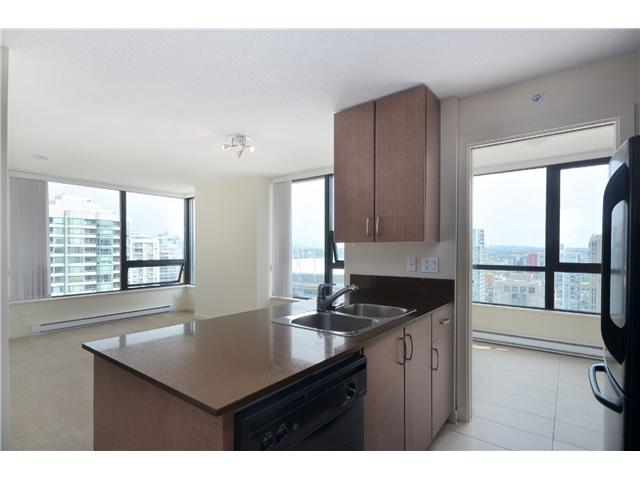 "Photo 2: # 2605 977 MAINLAND ST in Vancouver: Yaletown Condo for sale in ""YALETOWN PARK"" (Vancouver West)  : MLS(r) # V1033564"