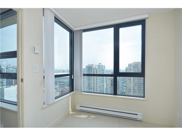 "Photo 8: # 2605 977 MAINLAND ST in Vancouver: Yaletown Condo for sale in ""YALETOWN PARK"" (Vancouver West)  : MLS(r) # V1033564"