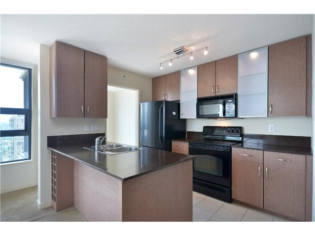 "Photo 4: # 2605 977 MAINLAND ST in Vancouver: Yaletown Condo for sale in ""YALETOWN PARK"" (Vancouver West)  : MLS(r) # V1033564"