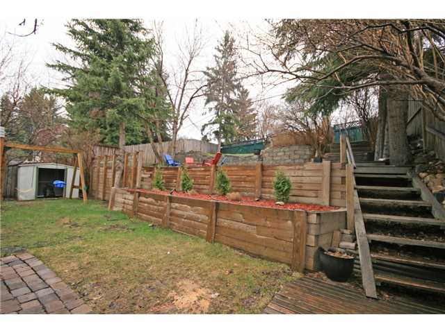Photo 20: 3116 10 Street NW in CALGARY: Cambrian Heights Residential Detached Single Family for sale (Calgary)  : MLS® # C3614410