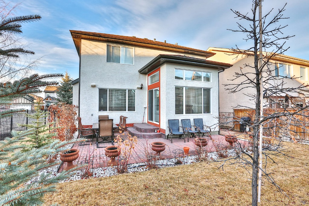 Photo 18: 239 EVERWILLOW Parkway SW in Calgary: Evergreen House for sale : MLS® # C3654772