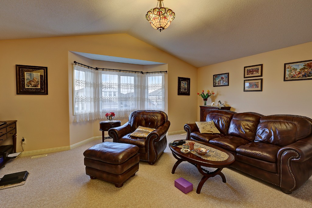 Photo 14: 239 EVERWILLOW Parkway SW in Calgary: Evergreen House for sale : MLS® # C3654772