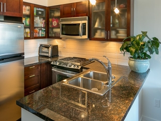 Main Photo: 1808 1 RENAISSANCE Square in New Westminster: Quay Condo for sale : MLS® # V1131981