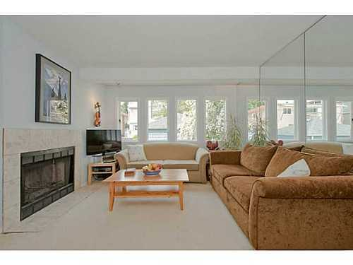 Photo 3: 2567 5TH Ave W in Vancouver West: Kitsilano Home for sale ()  : MLS® # V1013166