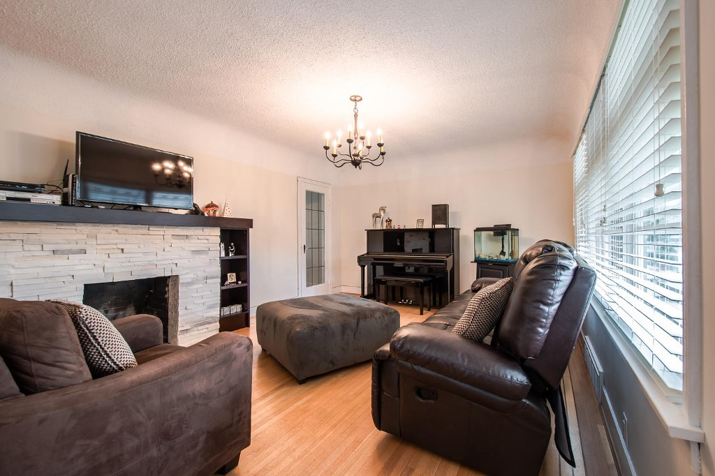 Photo 5: 327 ARBUTUS Street in New Westminster: Queens Park House for sale : MLS(r) # R2030335