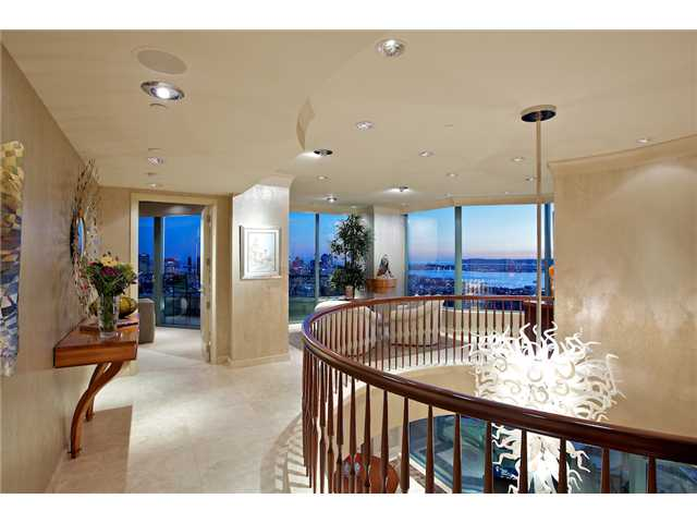 Main Photo: SAN DIEGO Condo for rent : 4 bedrooms : 2500 6th Avenue #PH7