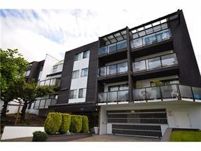"Main Photo: 105 315 TENTH Street in New Westminster: Uptown NW Condo for sale in ""THE SPRINGBOK"" : MLS® # R2127881"
