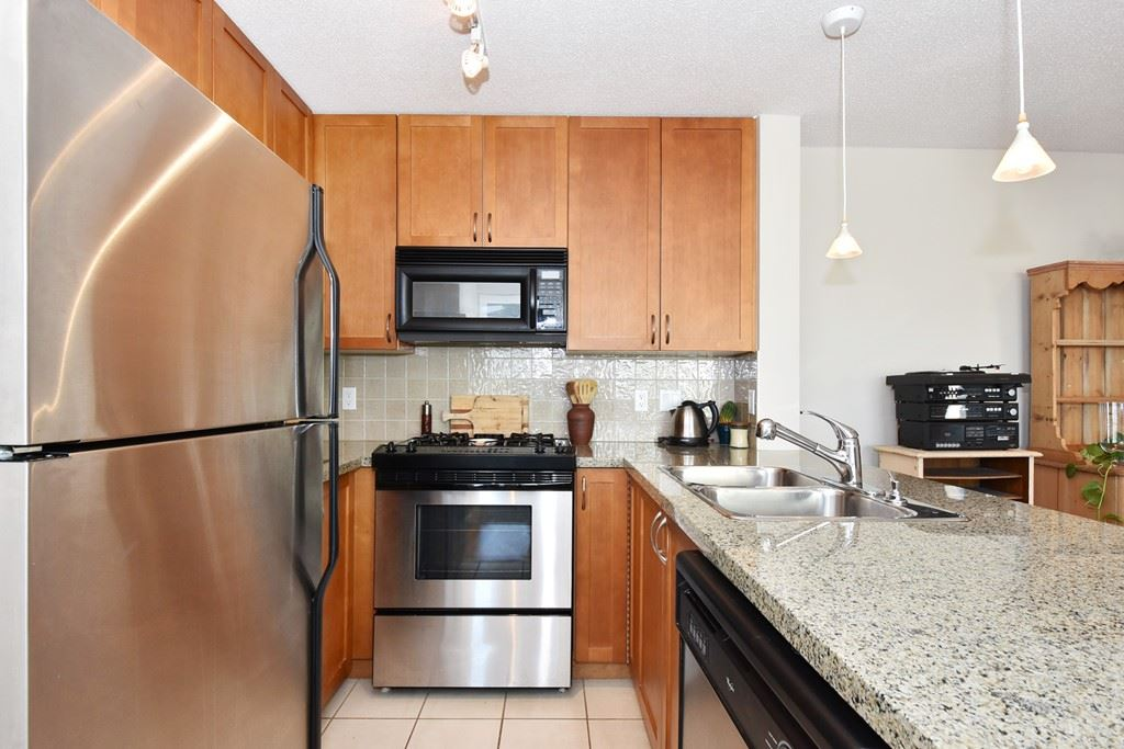 "Photo 7: 901 1316 W 11TH Avenue in Vancouver: Fairview VW Condo for sale in ""The Compton"" (Vancouver West)  : MLS® # R2138686"