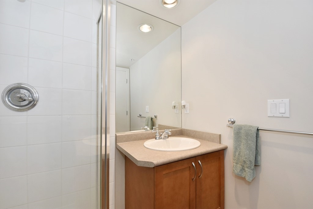 "Photo 11: 901 1316 W 11TH Avenue in Vancouver: Fairview VW Condo for sale in ""The Compton"" (Vancouver West)  : MLS® # R2138686"