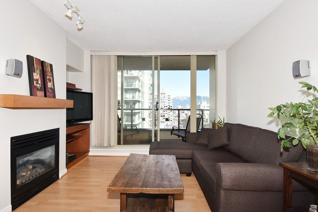 "Photo 2: 901 1316 W 11TH Avenue in Vancouver: Fairview VW Condo for sale in ""The Compton"" (Vancouver West)  : MLS® # R2138686"