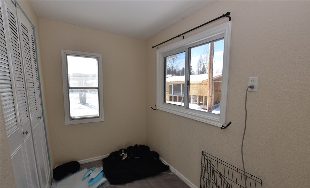 "Photo 10: 10 10180 HART Highway in Prince George: Hart Highway Manufactured Home for sale in ""NORTHLAND TRAILER PARK"" (PG City North (Zone 73))  : MLS(r) # R2142614"