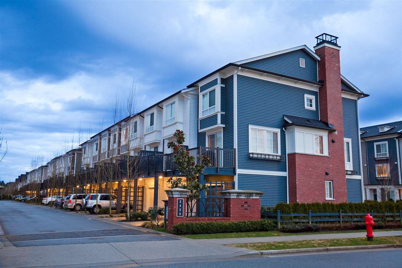 "Main Photo: 70 2428 NILE Gate in Port Coquitlam: Riverwood Townhouse for sale in ""DOMINION"" : MLS® # R2147825"